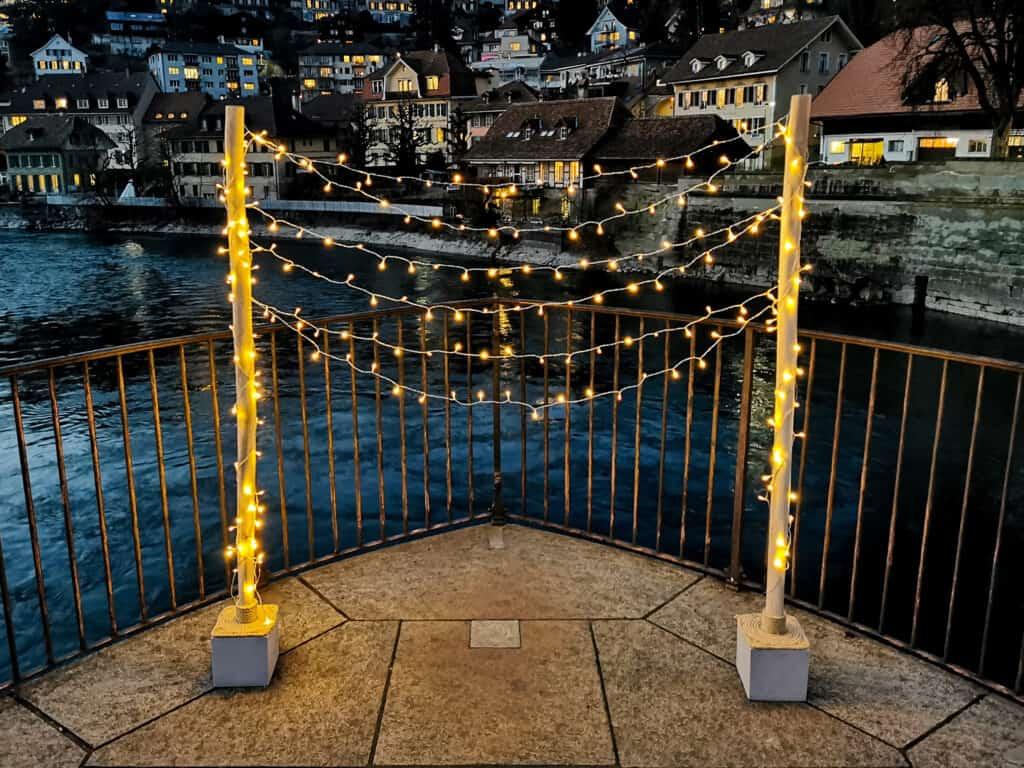 Beleuchteter Traubogen mit LED für eine freie Trauung